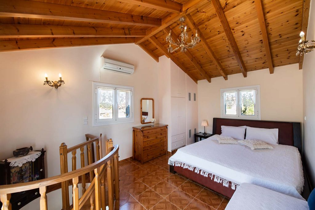 lefkada accommodation attic room villa loucia 1