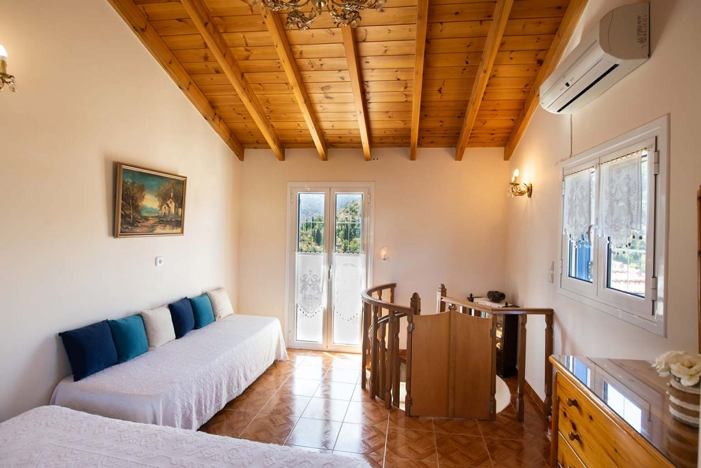 lefkada accommodation attic room villa loucia 3