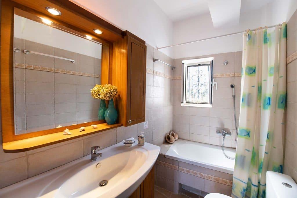 lefkada accommodation bathroom villa loucia 1