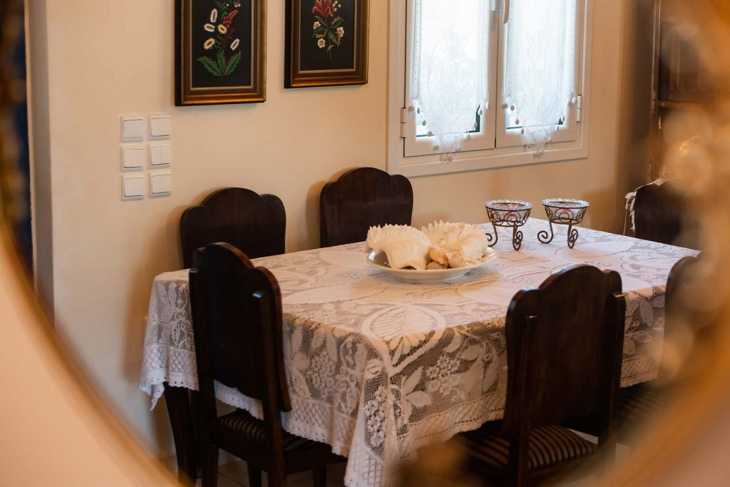 lefkada accommodation dining room villa loucia 2