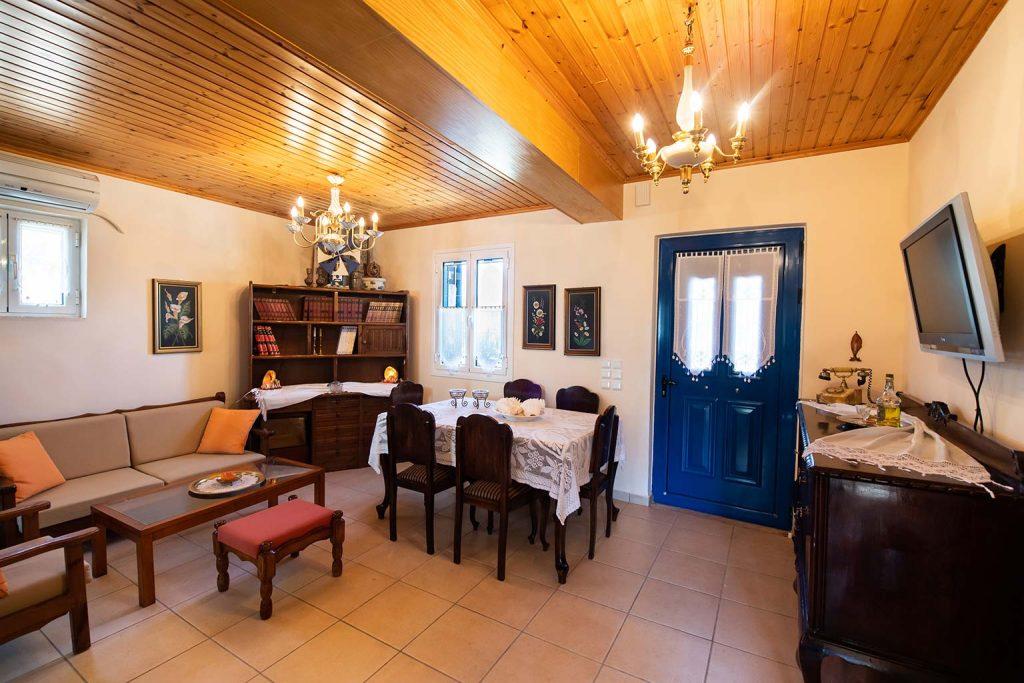 lefkada accommodation dining room villa loucia 4