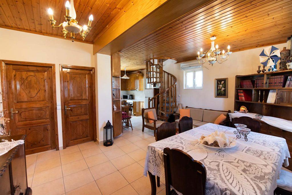 Lefkada holiday rental Villa Loucia, near Agios Nikitas and Kathisma beach.