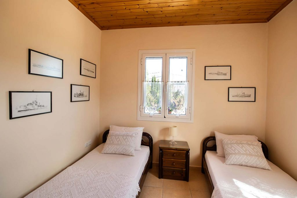 lefkada accommodation twin single bed room villa loucia 2