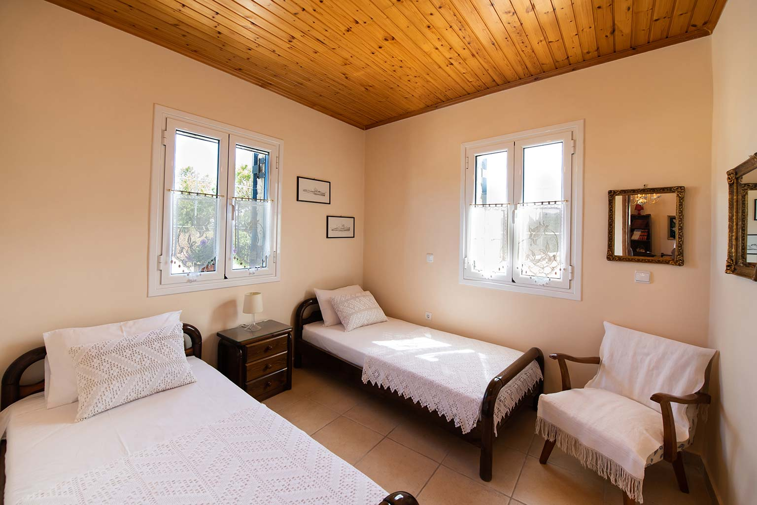 lefkada accommodation twin single bed room villa loucia 3