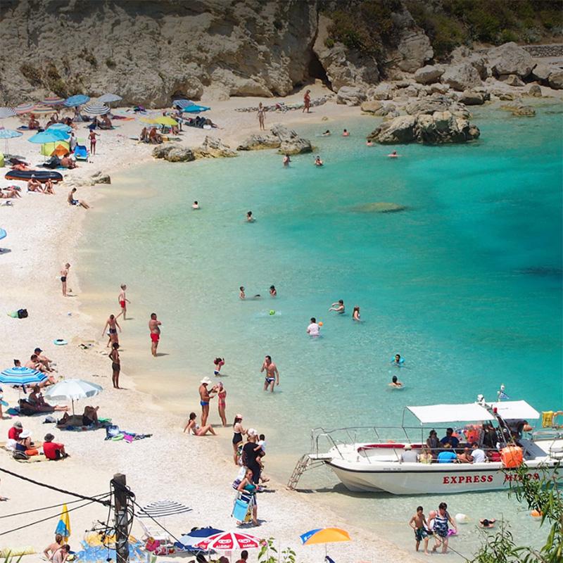 lefkada accommodation agios nikitas beach